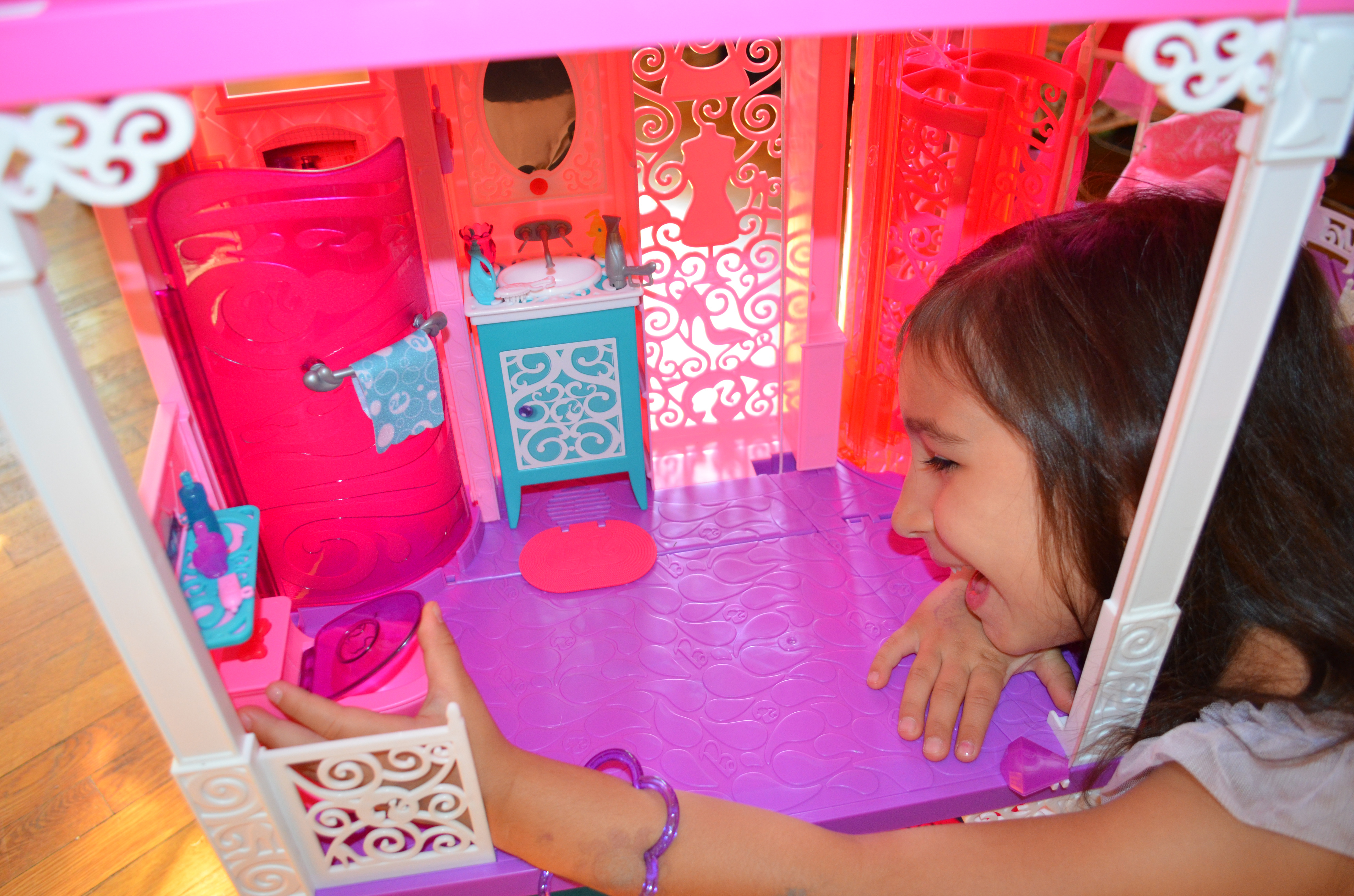 Barbie Dream House Bathroom