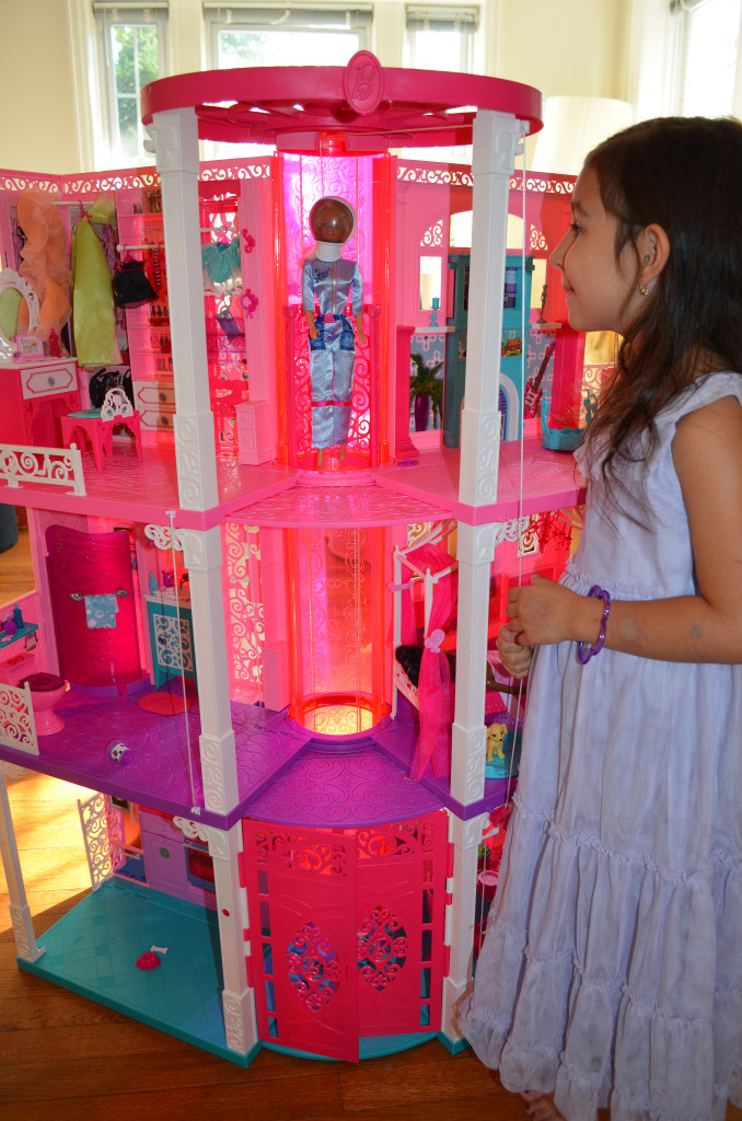 Barbie Dreamhouse 2013 #barbieismoving