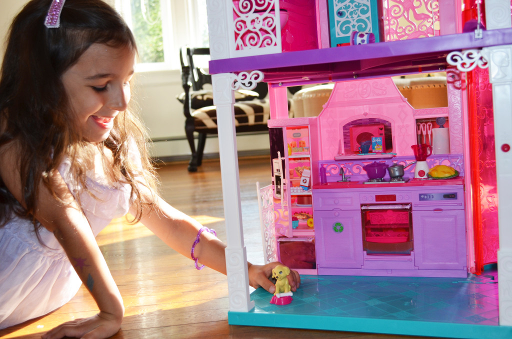 playing with barbie Dream House 2013