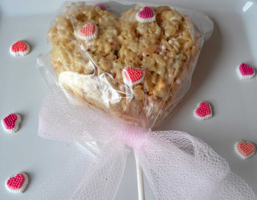 Rice Krispie Treats Valentine's Day Heart Pops, Rice Krispie Treats Recipe