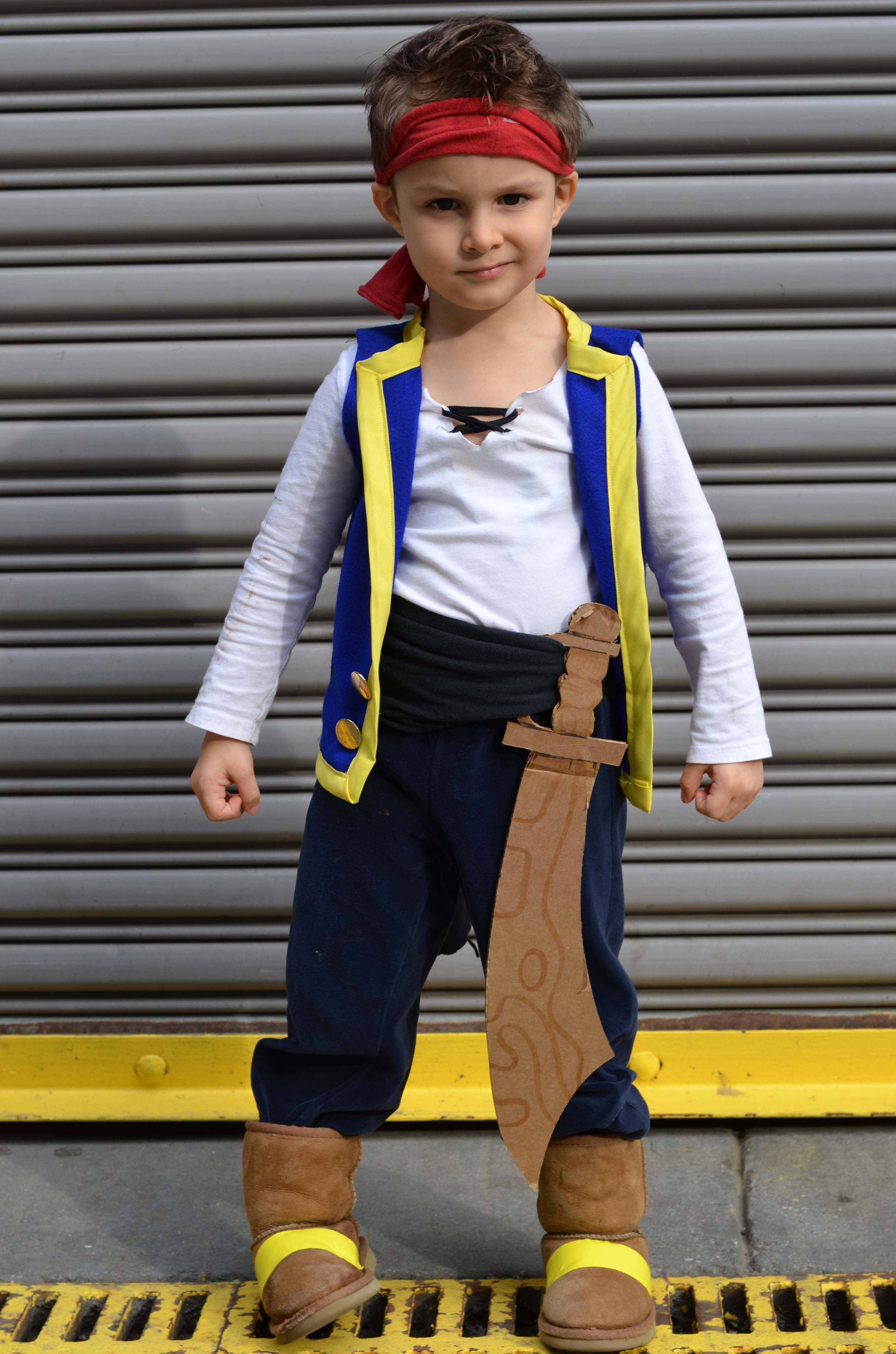 jake costume ...  sc 1 st  Marino Bambinos : homemade pirate costume for boy  - Germanpascual.Com