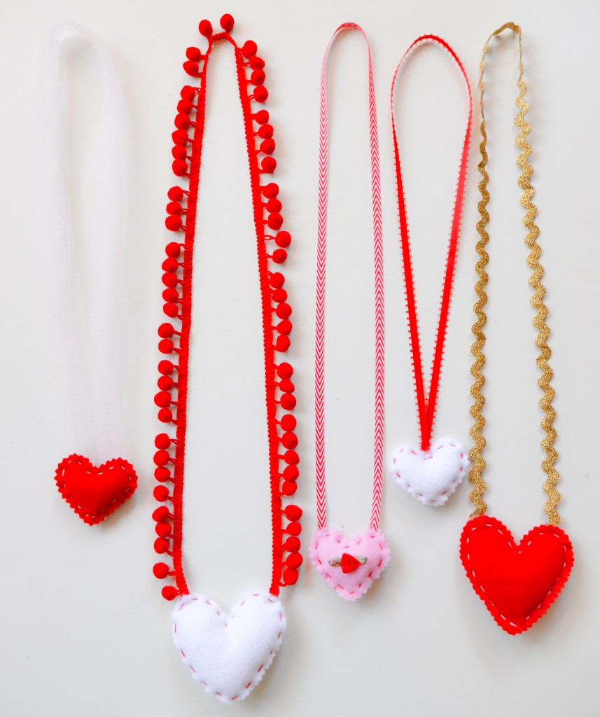 How to make felt heart necklaces
