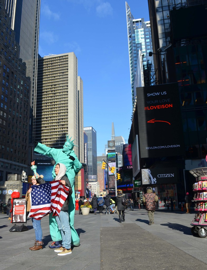 statue of liberty photo times square nyc