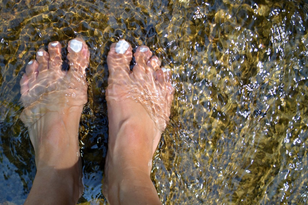 feet in waterfall