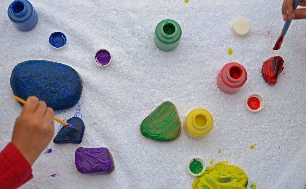 painting rocks with kids art therapy_edited-1