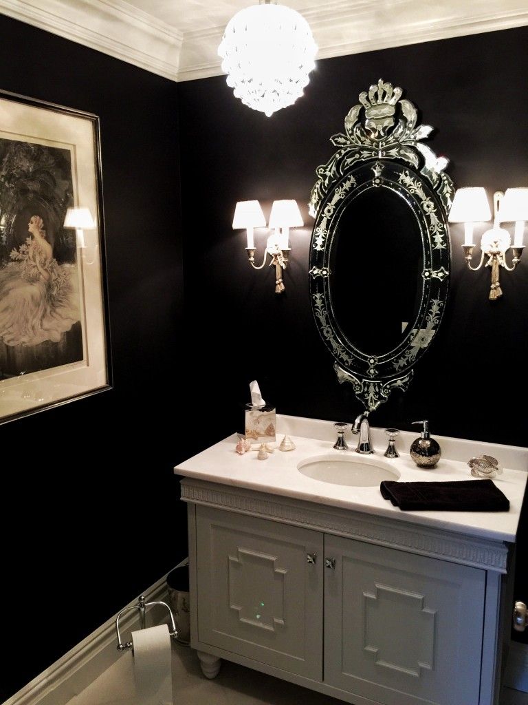 Black-bathroom-paint-design