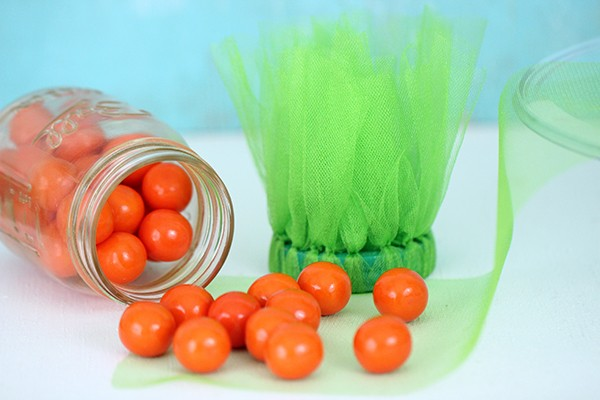 DIY-carrot-Easter-Mason-candy-jars