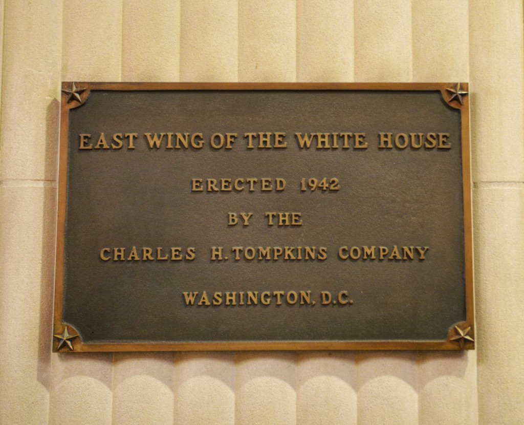 Official-east-wing-white-house-sign-lets-move-event
