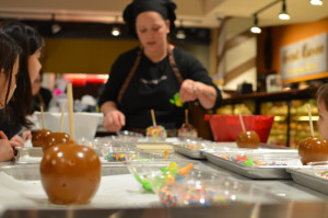 Candy-Making-Class-Kalahari-Resorts