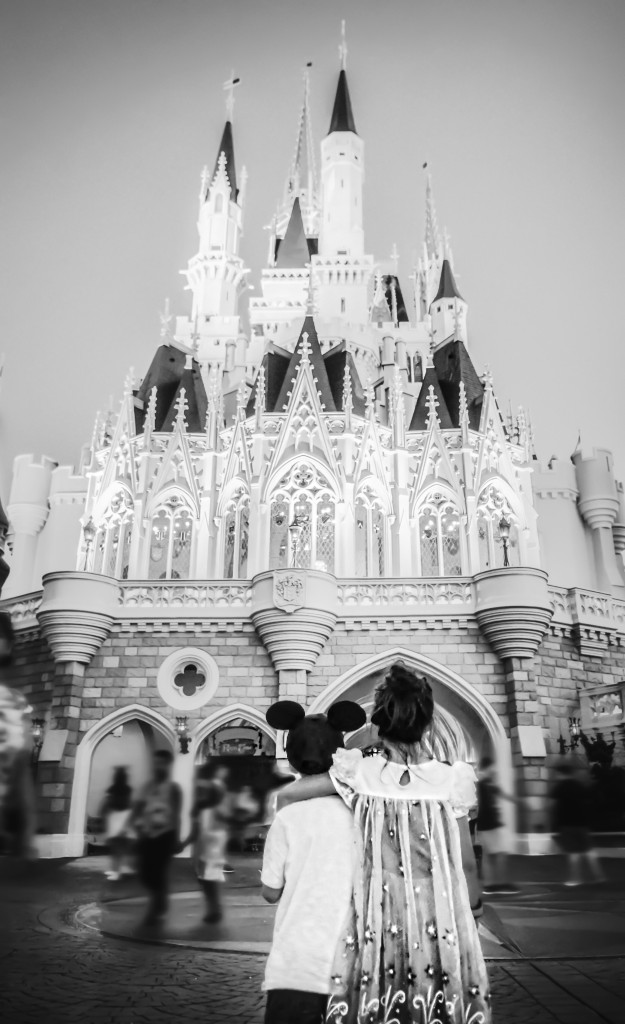 Cinderella's-Castle-Magic-Kindgdom-Disney-World-DisneySMMC