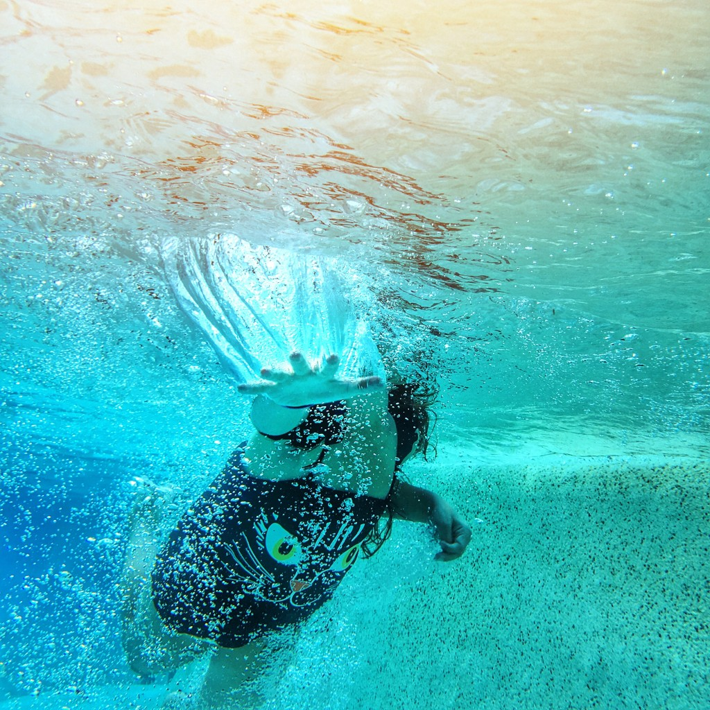 underwater-iPhone-photography-Disney-Resorts