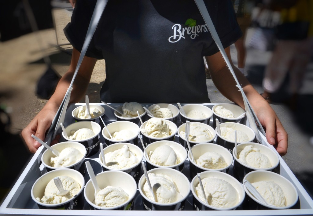 Breyers-150th-Birthday-Vanilla-Ice-Cream