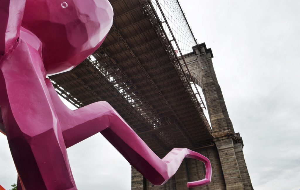 brooklyn-bridge-octopus-sculpture