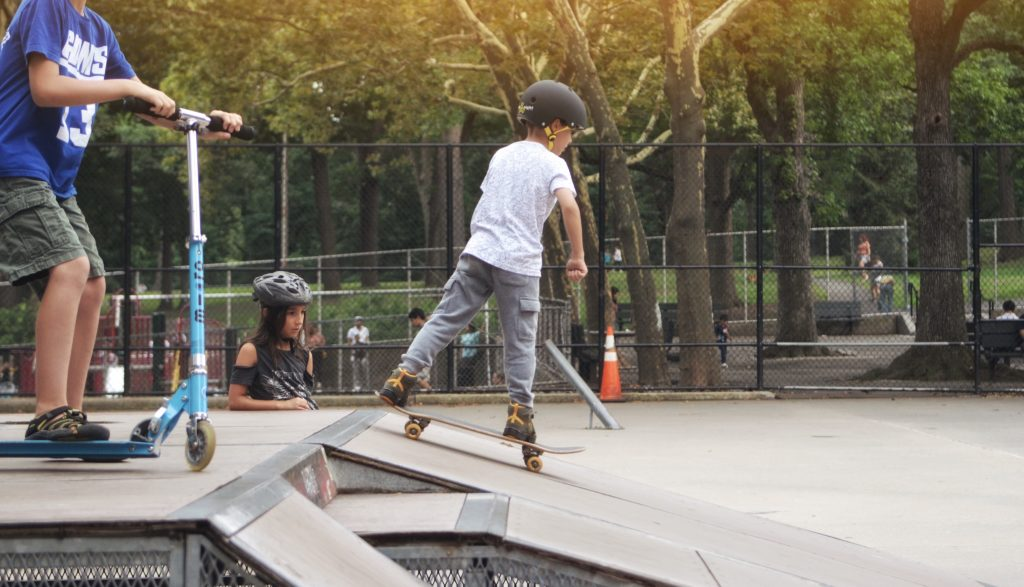 Skateboard-ramp-KEEN-Kids