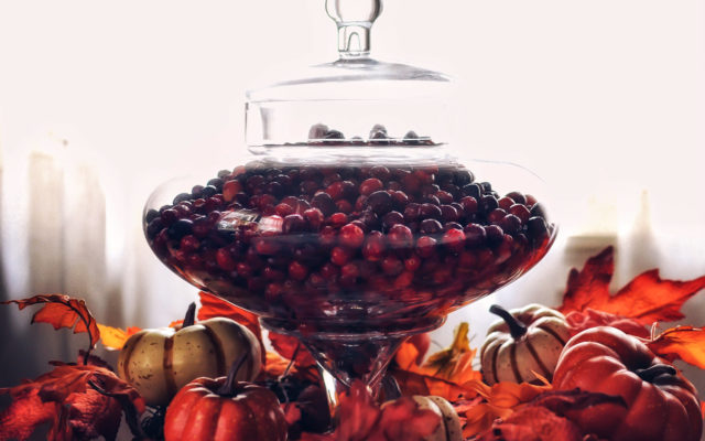 The Thanksgiving Table: A Simple Cranberry Décor DIY